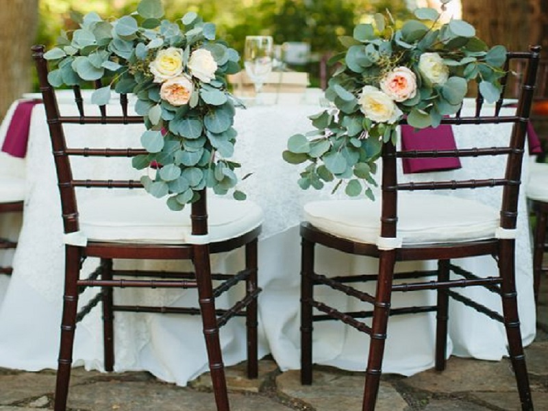 7 fruitwood chiavari chair