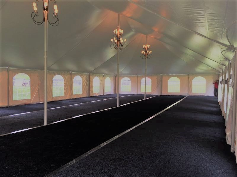33 tent with floor and chandliers