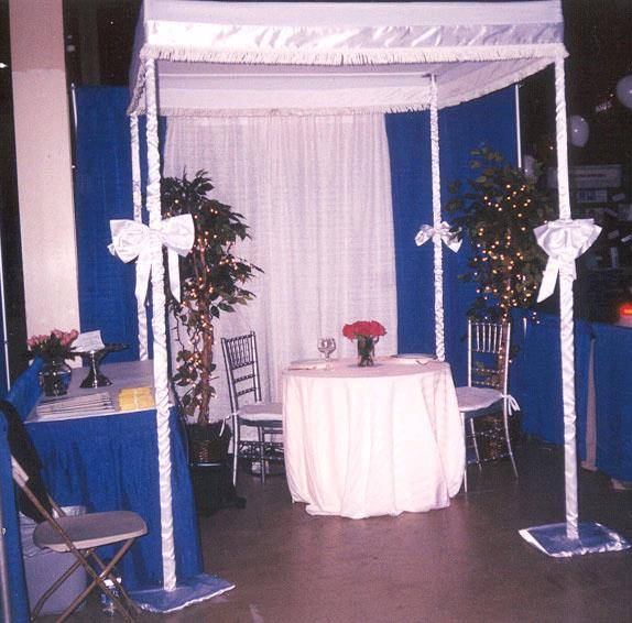 Where to find WEDDING CHUPPA SATIN PLAST in Chicago