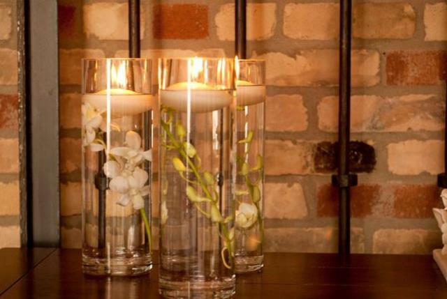 Where to find VASE, 4 x 10  GLASS CYLINDER in Chicago
