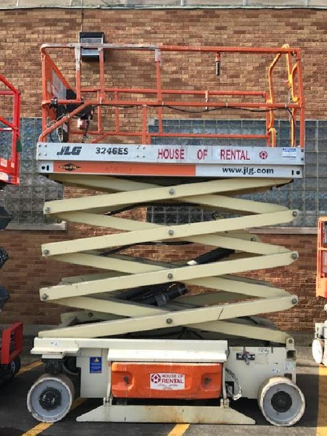 Where to find LIFT, SCISSOR 32ft DECK-JLG in Chicago