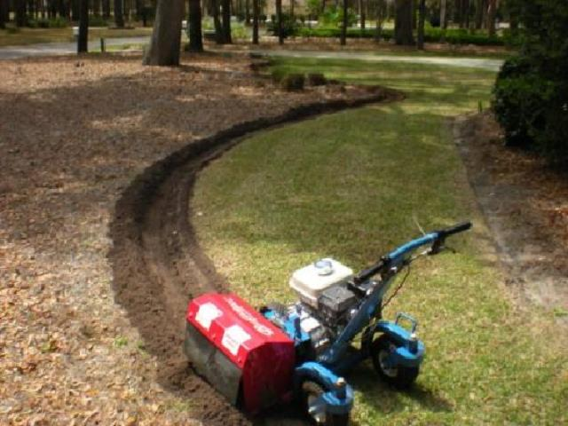 Where to find Lawn Edger, 4 x 4 Paver Blade in Chicago