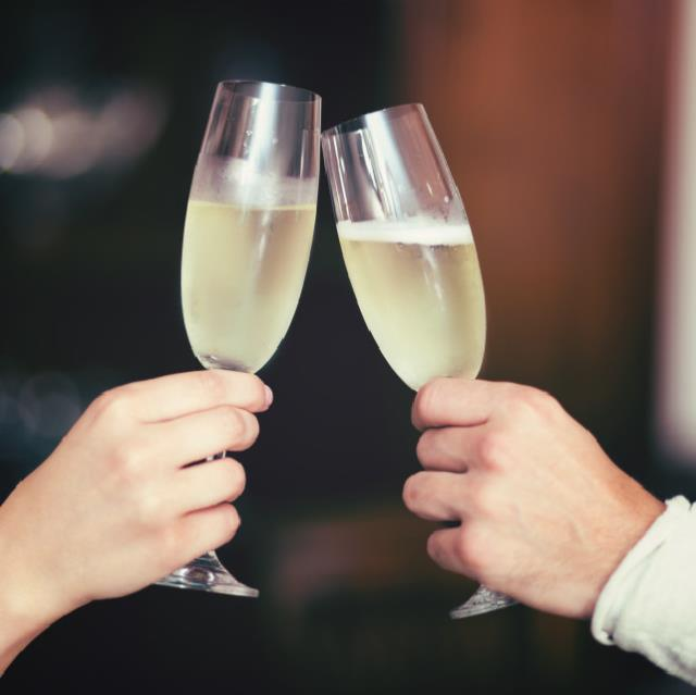 Rent your wine glass rental, water glass rental, beer glass rental, glass rental, glassware rental, party rental, martini glass, margarita glass, champagne glass rental, wedding glasses, wedding rental, coffee cup rental, irish coffee cup rental, reidel, riedel,
